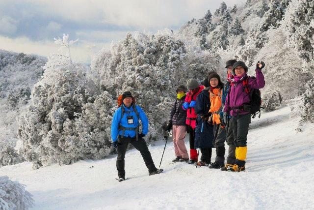7e6ba33450 【奈良・三峰山・ガイドツアー】初めての冬山にチャレンジ!樹氷の三峰山登山ツアー アソビュー